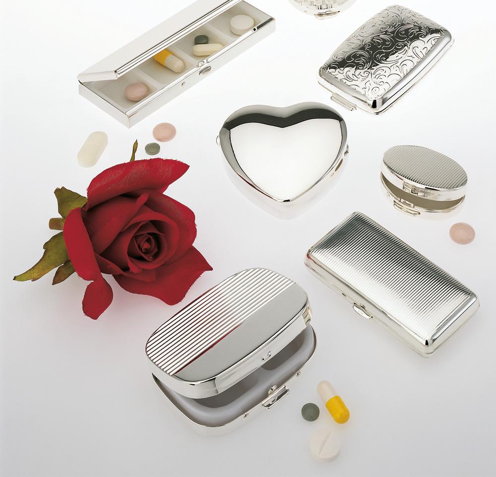 Dosen, Pillendosen, Schmuckdosen, Süßstoffdosen, Herzdosen hochwertig versilbert oder verchromt